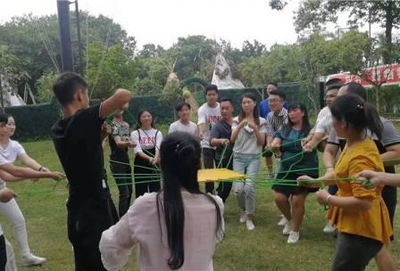 【深圳】D烽火鄉村趣味拓展、極速越野車、真人吃雞游戲CS玩樂一天之旅